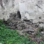 Čerstvo spadnuté murivo