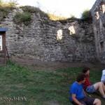 Zamurovaná kaverna v hradbe