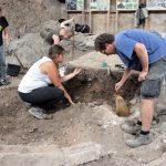 Precízna práca archeológa